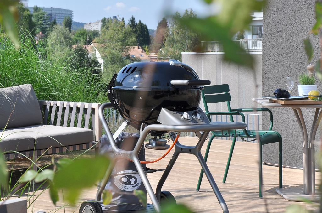 Gas Barbecue Grill Ascona Black Ascona G 570 OutdoorChef Lifestyle 5 | Avant Garden