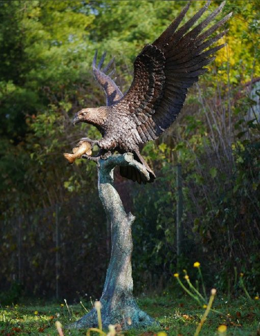 BI 53 Solid Bronze Eagle Lifesize Wingspread Sculpture 1 | Avant Garden