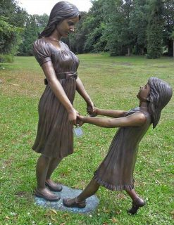 FIWO 37 Bronze Sculpture Mother Daughter 145cm | Avant Garden Guernsey