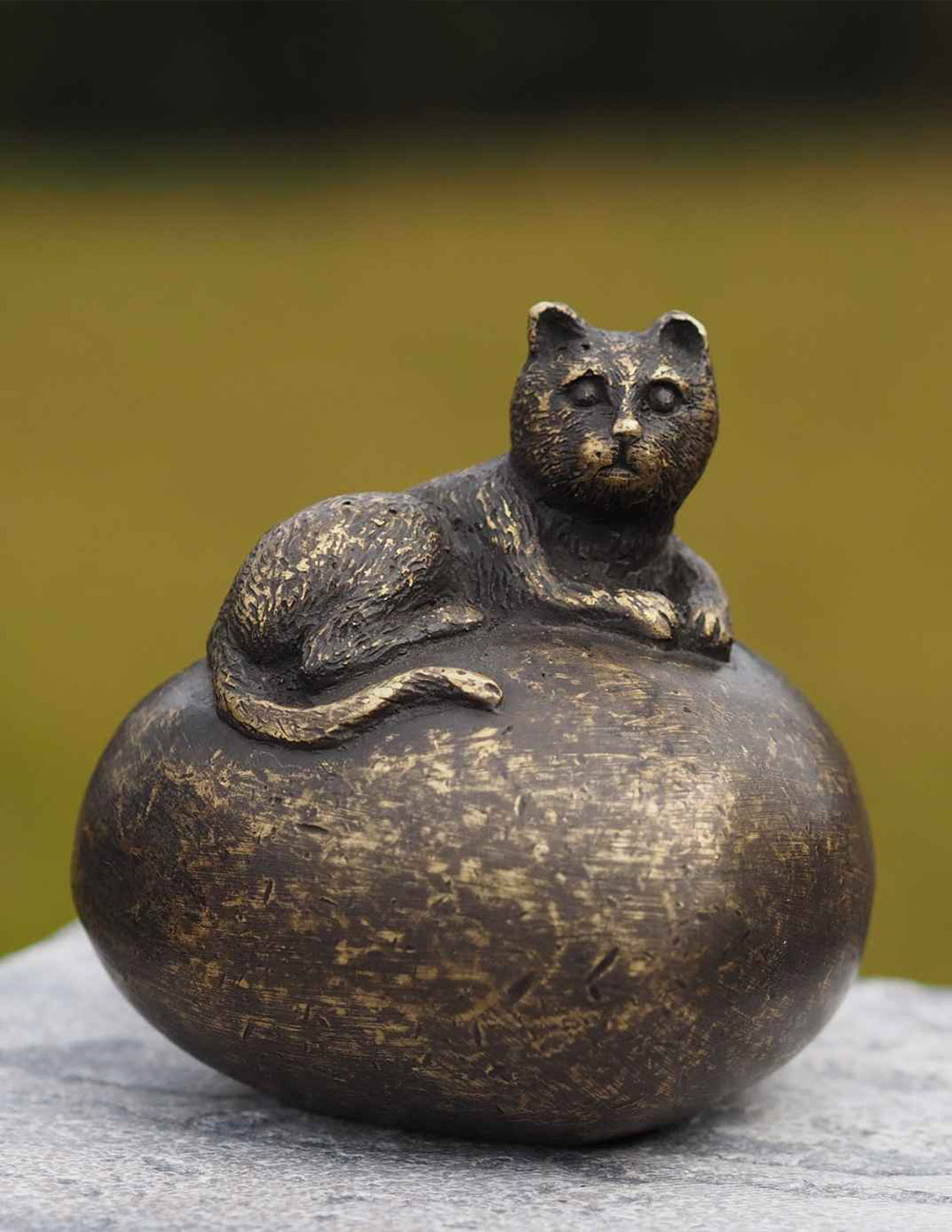MESU 32 Cremation Urn Cat Memorial Mini Solid Bronze Sculpture | Avant Garden