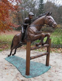 HO 12 Bronze Sculpture Showjumper | Avant Garden