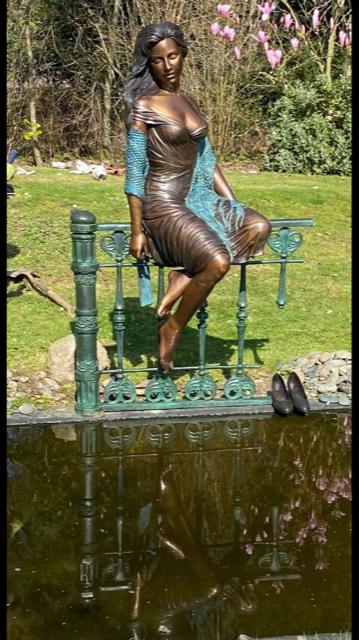 Lady On The Fence In The Sunshine Solid Bronze 1 | Avant Garden