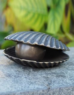 MESU 28 Cremation Urn Memorial Shell Pearl Solid Bronze Sculpture 1 | Avant Garden