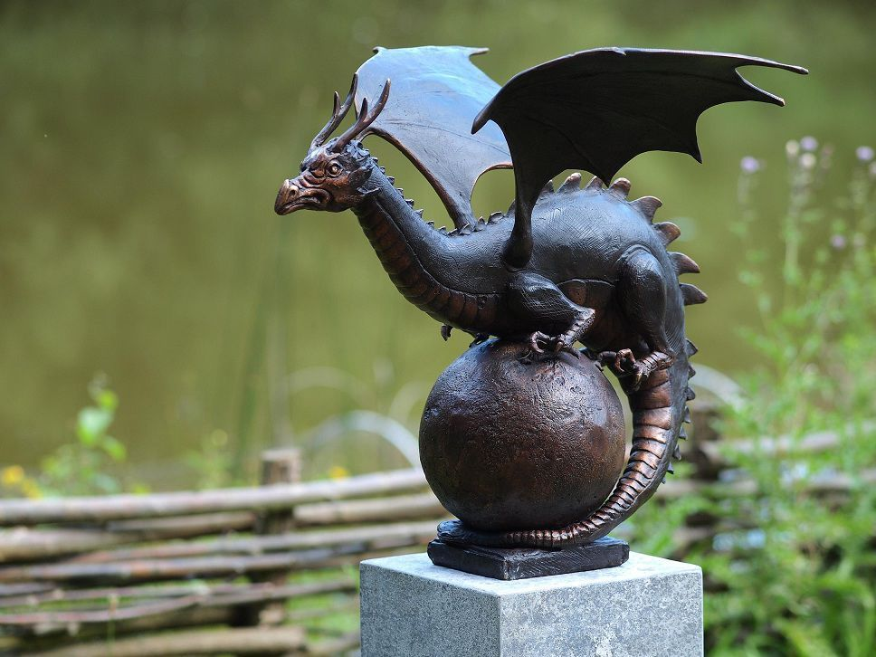 Fine Cast Bronze Sculpture Dragon Finial Statue