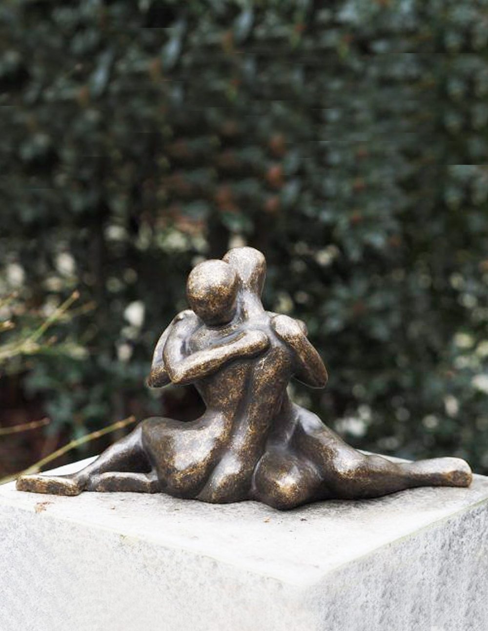 Fine Cast Bronze Sculpture Modern Lovers Embrace