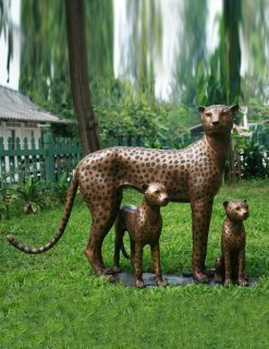 WI 1 Solid Bronze Cheetah Family Sculpture 1 | Avant Garden