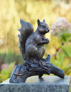 MI 36 Solid Bronze Squirrel Sculpture 1 | Avant Garden