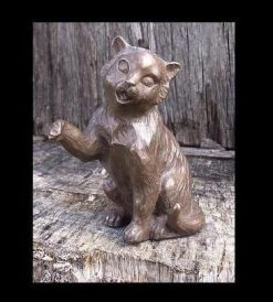 Fine Cast Bronze Sculpture Cat sitting