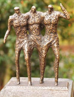 MO 13 Solid Bronze Sculpture Best Friends 1 | Avant Garden