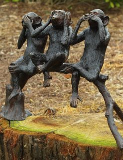 WI 60 Bronze Sculpture Chimpanzees 45cm 1 | Avant Garden