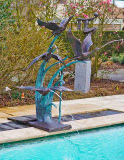 Bronze Sculpture Ducks Flying Fountain