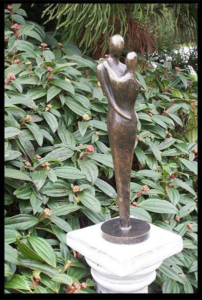 Bronze Abstract Loving Couple Avant Garden Guernsey
