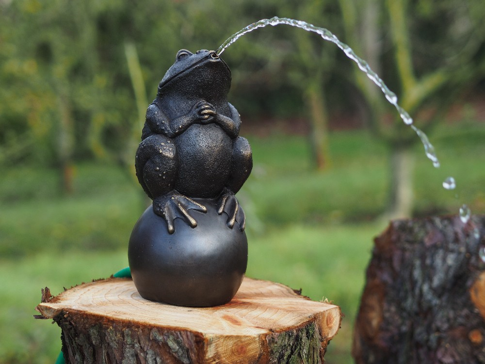FO 22 Bronze Sculpture Fountain Bull Frog On Finial | Avant Garden Guernsey
