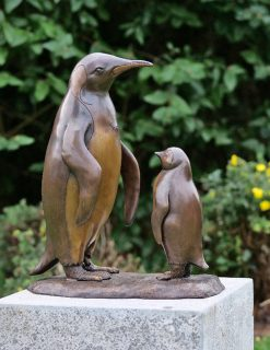 BI 73 Solid Bronze Penguin & Chick Sculpture 1 | Avant Garden