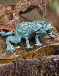 FO 79 Solid Bronze Frog Pair Fountain Sculpture 1 | Avant Garden