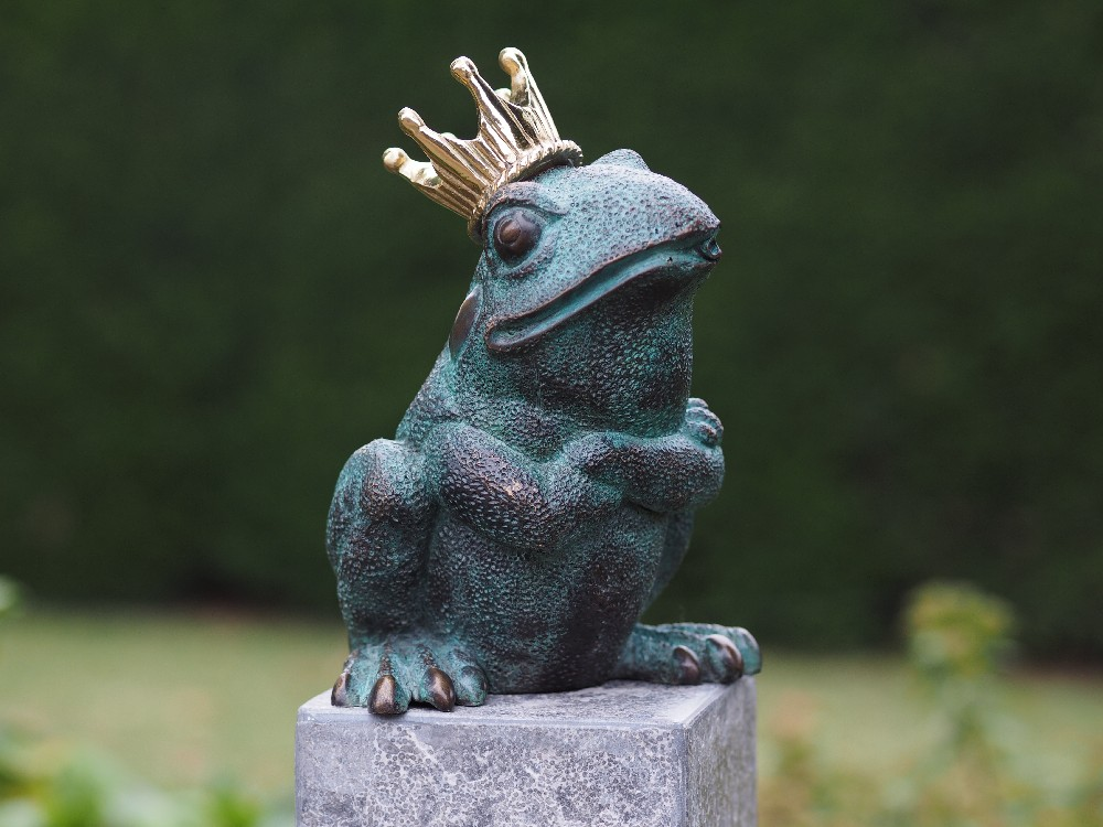 FO 80 Solid Bronze Frog Fountain Sculpture Water Feature 20x11x15cm 1 | Avant Garden