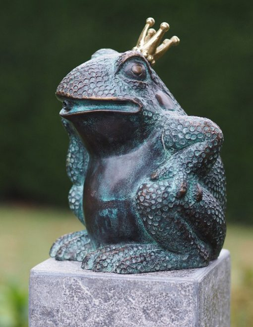 FO 81 Solid Bronze Frog Prince Fountain Sculpture Water Feature 17x11x13cm 1 | Avant Garden