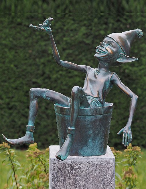 Solid Bronze Elf In A Bucket Fountain Sculpture 49x15x17cm 1 | Avant Garden