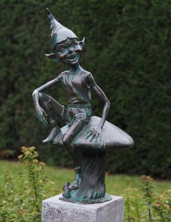Elf On A Toadstool Solid Bronze Sculpture 77x35x43cm 1 | Avant Garden