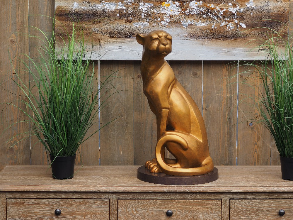 WI 75 Solid Bronze Cheetah Sitting Sculpture 1 | Avant Garden