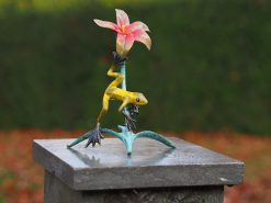 MI 71 Frog And Lily Fine Cast Solid Bronze Sculpture 1 | Avant Garden