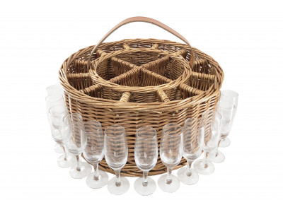 DB043 Kingston Party Basket inc 12 Bubbly Glasses 1 | Avant Garden