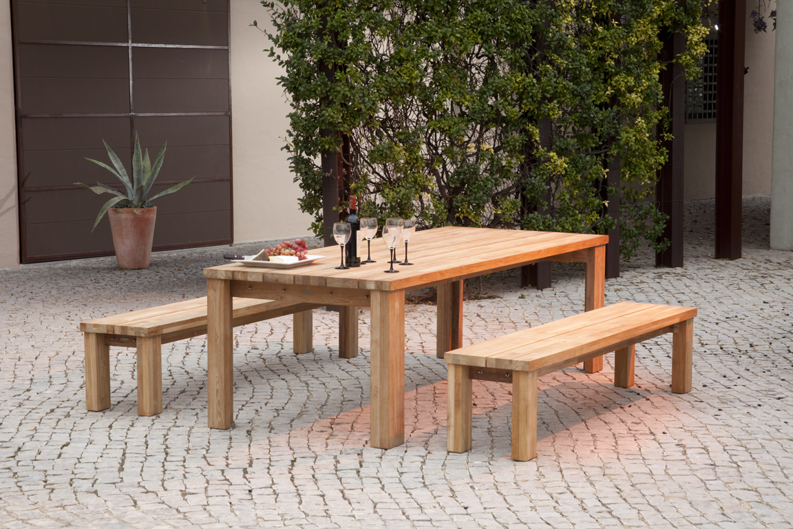 Titan Dining Suite Rustic Teak Lifestyle by Barlow Tyrie (2) | Avant Garden